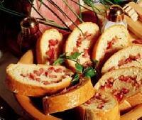 Závin se sýrem a šunkou