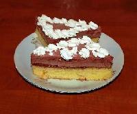 Lehký dort se švestkovým krémem