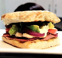 Nadupaný sendvič BLT