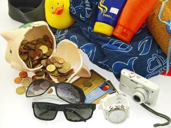 Jedete na dovolenou. Pro� se vyplat� vz�t do zahrani�� kreditku?